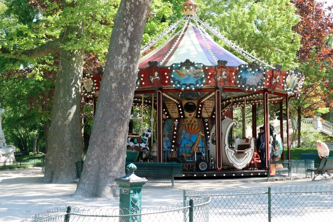 monceau carousel (1 of 1)